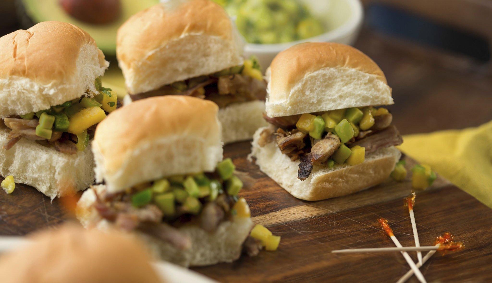 Mini hamburguesas de carnitas