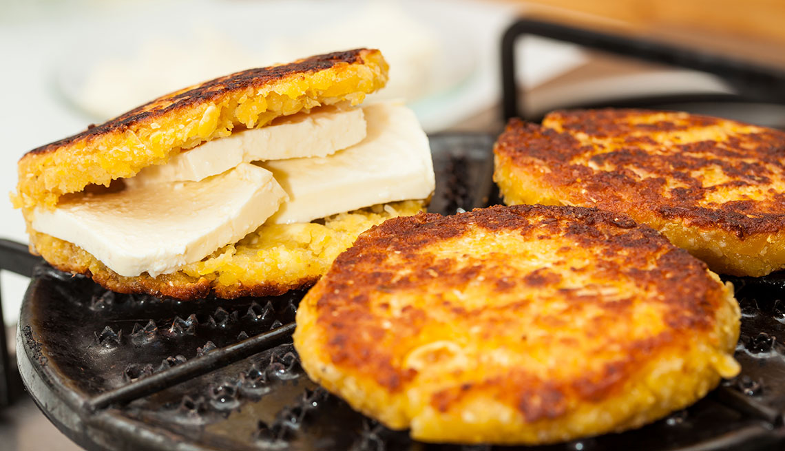 item 2 of Gallery image - Arepas rellenas de queso