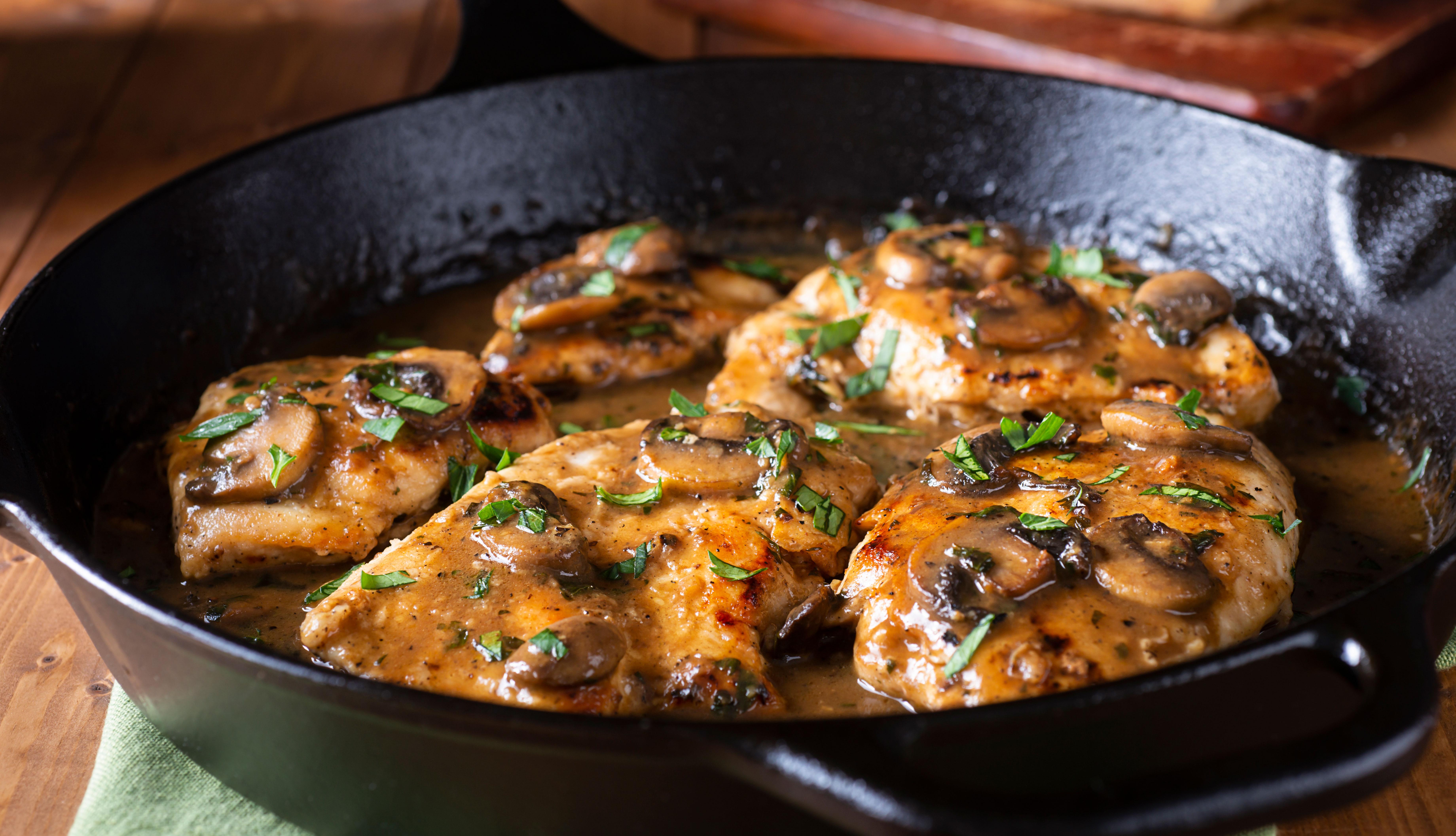Pechugas con salsa de chipotles