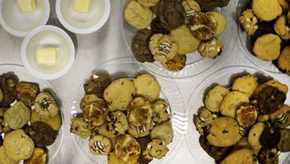 Comidas comunitarias: galletas y mantequilla