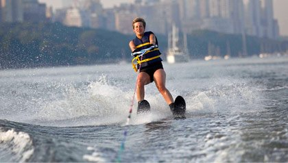Mary Kocy waterskii around Manhattan to raise money for Rusk facility
