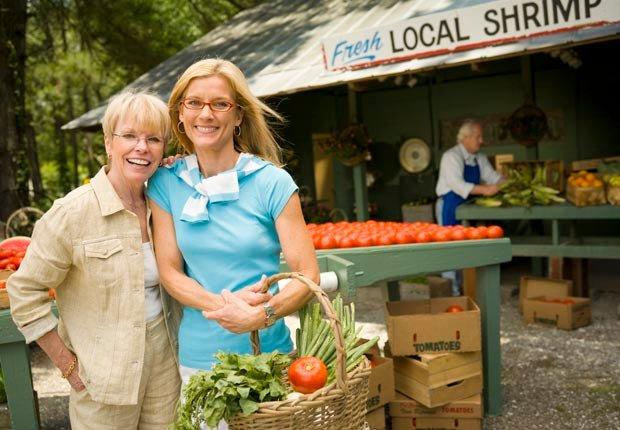 Mujeres en el mercado local - Maneras de hacer amigos y mejorar la salud del cerebro