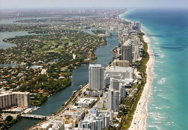 Aerial view Miami Beach area, Socialization and brain health, Relocation (Hoberman Collection/UIG/Getty Images)