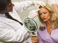 La actriz Shannon Tweed utiliza la toxina botulínica, una sustancia química que paraliza los músculos-arrugas para el cuidado de la piel.