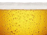 Mitos y realidades de la gota - primer plano de una cerveza