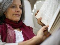 Terapia de reemplazo hormonal para mujeres mayores.