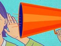 Persona hablando al oido de otra persona utilizando un megafono - Problemas auditivos comunes - Que causa la sordera