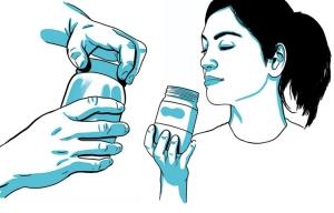 Gráfico de una mujer oliendo el contenido de un frasco - Pruebas caseras que te podrían salvar la vida