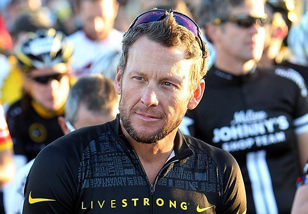 Lance Armstrong - Celebridades que vencieron el cáncer