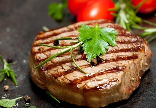 Carne a la parrila - Mitos y realidades sobre el cáncer y las dietas