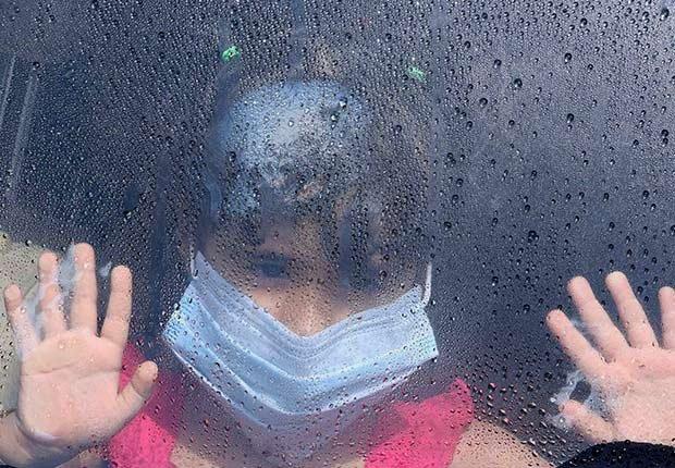 Epidemics 21 Century MERS Girl Car Hands Mask ESP