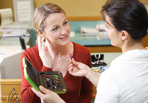 Specialist showing woman different hearing aids, How to Get the Right Hearing Aid: 10 Tips