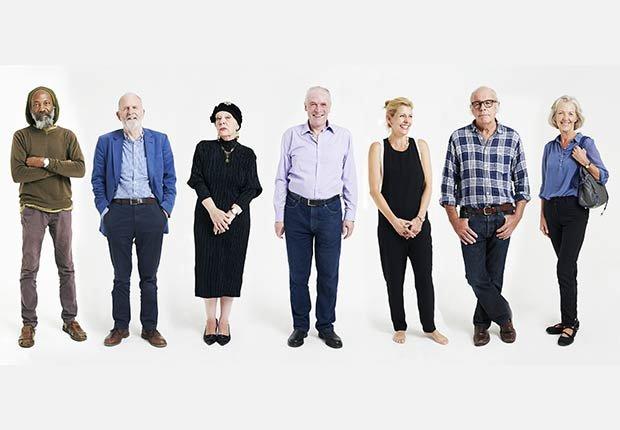 Grupo de personas alineadas - Mitos y verdades sobre las enfermedades de la tiroides