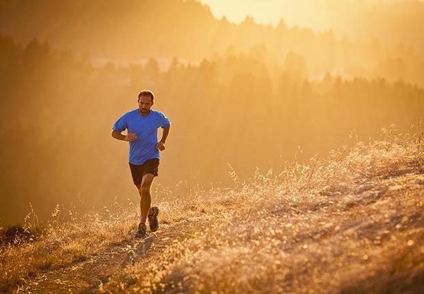 Hombre corriendo - Cómo cuidar y mantener tus riñones saludables