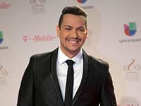 Victor Manuelle Father Alzheimer's Tribute ESP