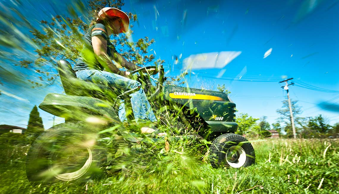 Activities That Harm Hearing Mowing Lawn