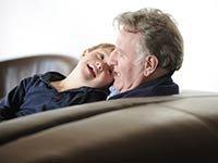 Abuelo con su nieto - Cómo cuidar niños con síndrome de Down
