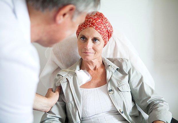 Médico y paciente - Cáncer de mama