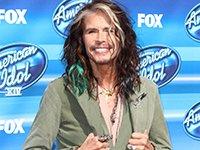 Steven Tyler a su llegada a la final de American Idol XIV