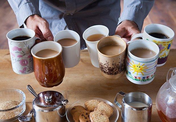 Varias tazas con cafe