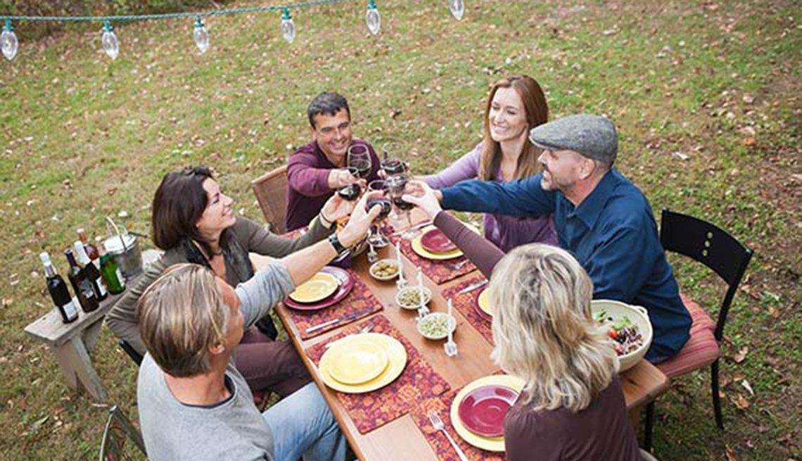 8 Tips for Better Hearing Over the Holidays