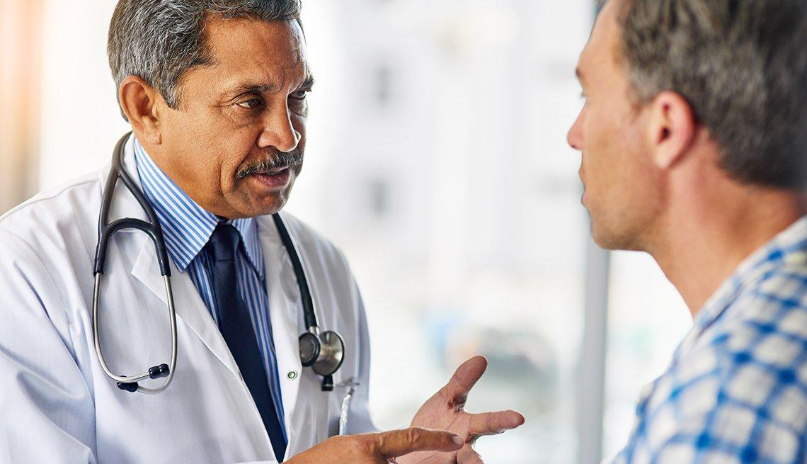 Consulta entre médico y paciente