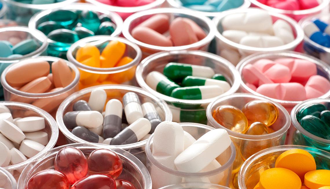 Frascos con diferentes pastillas