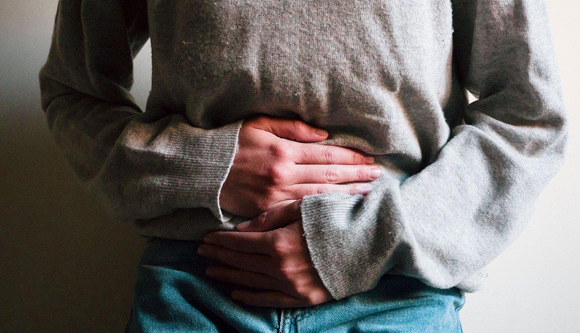 Persona con dolor abdominal