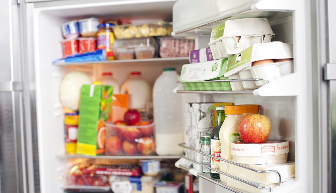 Refrigerador lleno de comida