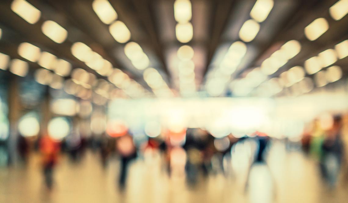 Aeropuerto en visión borrosa
