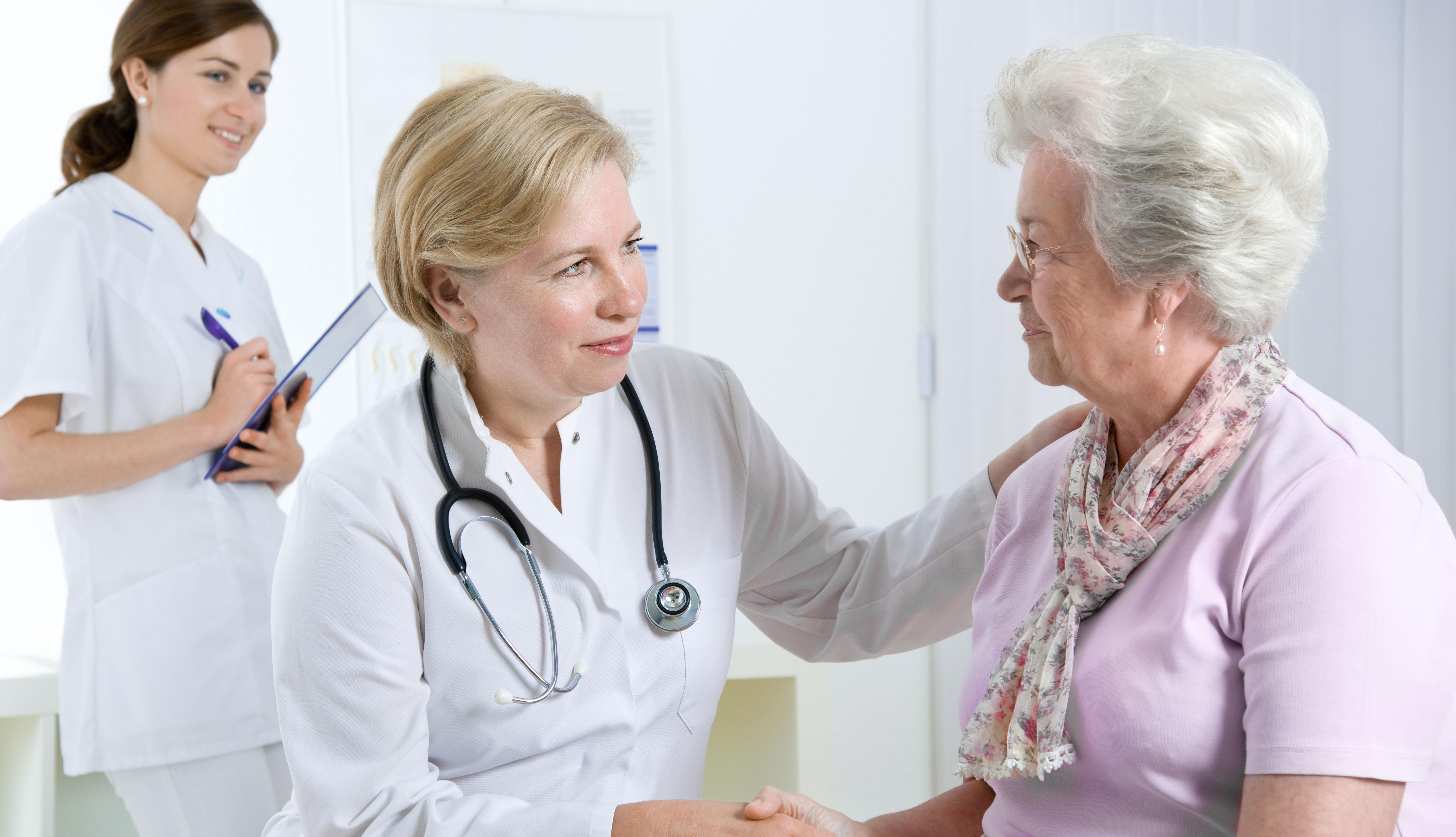 Paciente visitando su doctor