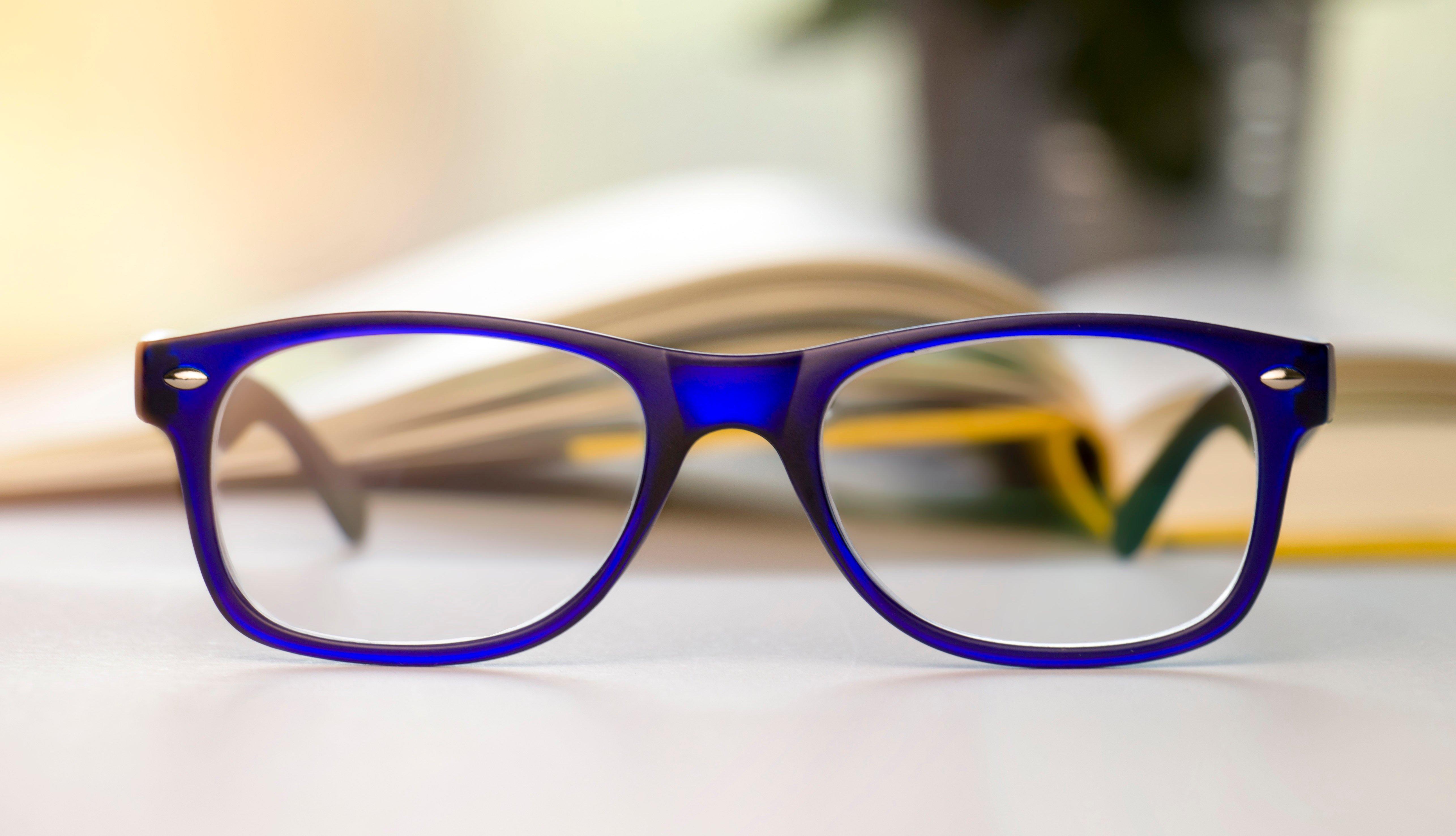 Lentes para leer con marco azul