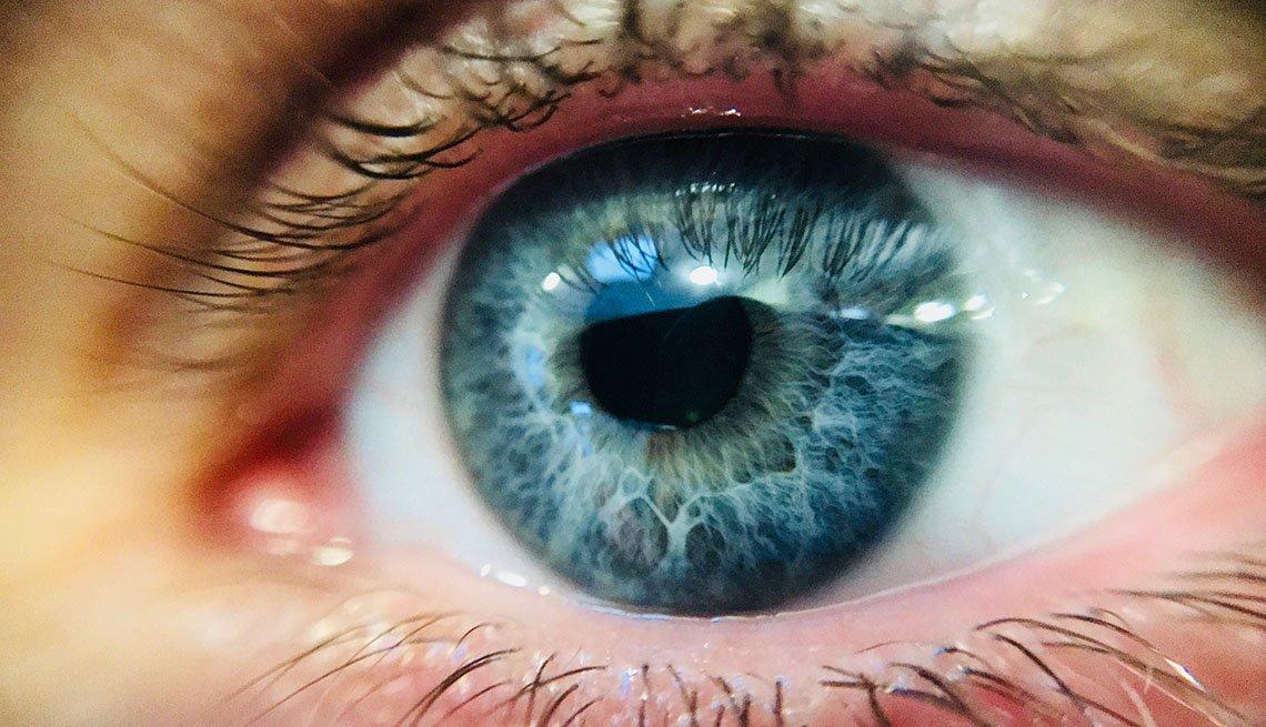 Foto cercana de un ojo