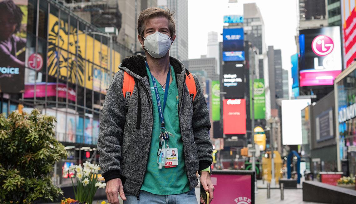 Dr. Jaime Salas Rushford en Times Square