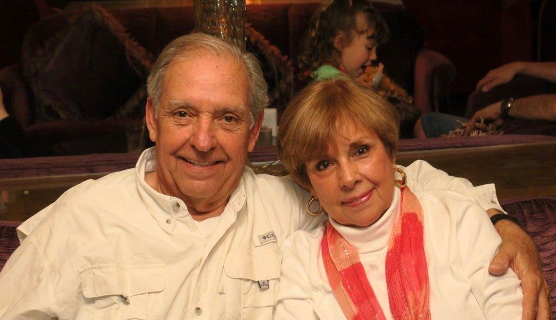 Loretta Baddel y su esposo