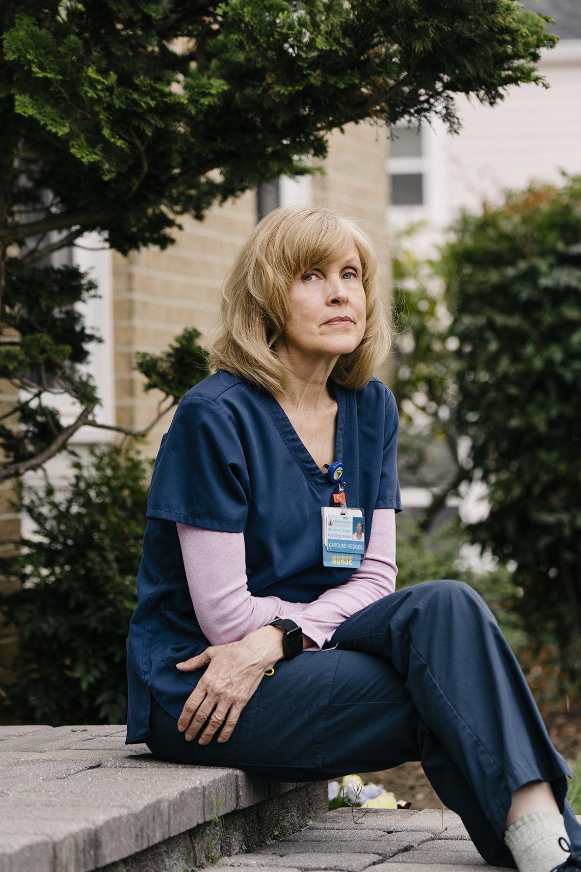 La enfermera Carrie Hedges en su uniforme