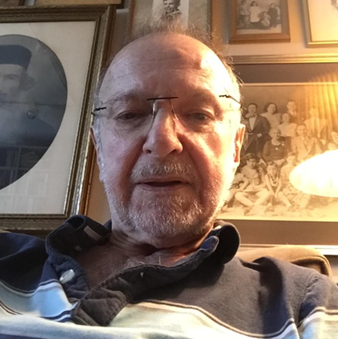 Paul Levine en su casa