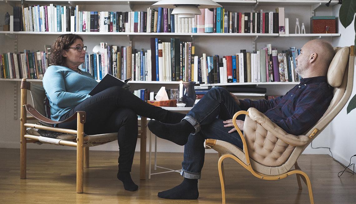 Terapista en sesión con su paciente