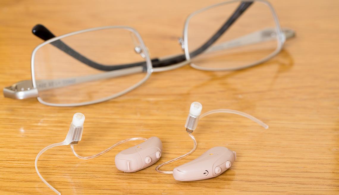 Espejuelos y audífonos