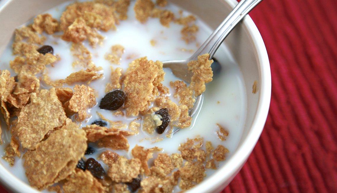 Cereal con pasas y leche