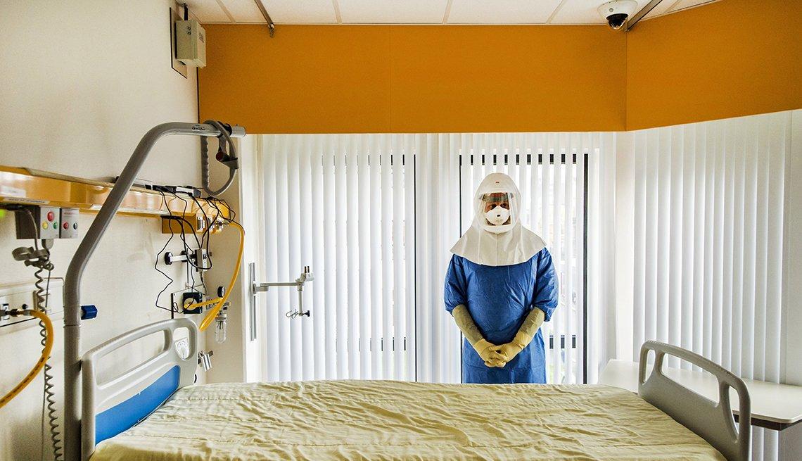 Personal médico en una habitación de hospital