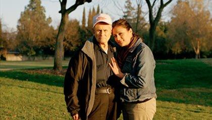 Pedro Medina de 88 años de edad quien había sido hospitalizado con cáncer, quería ir a casa para estar con miembros de la familia, incluida su nieta: María Simmons.