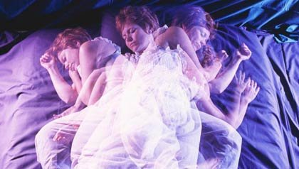 Mujer durmiendo - Medicamentos que pueden causar insomnio - Efecto secundario