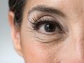 Perfil del ojo de una mujer