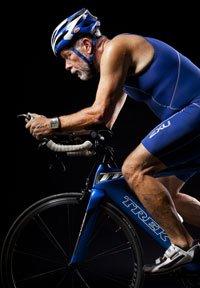 Terry Schleede tiene 59 años y vive en Mount Ulla, Carolina del Norte. A finales del 2007 pesaba 263 libras, fue diagnosticado con diabetes tipo 2. Eliminó las cuatro bebidas gaseosas que tomaba a diario y comió más frutas y verduras. Empezó a caminar y luego se entrenó para un mini-triatlón: nadar, montar bicicleta y correr. Scheleede sigue compitiendo. Ha rebajado más de 80 libras y su nivel de glucosa en la sangre es normal.