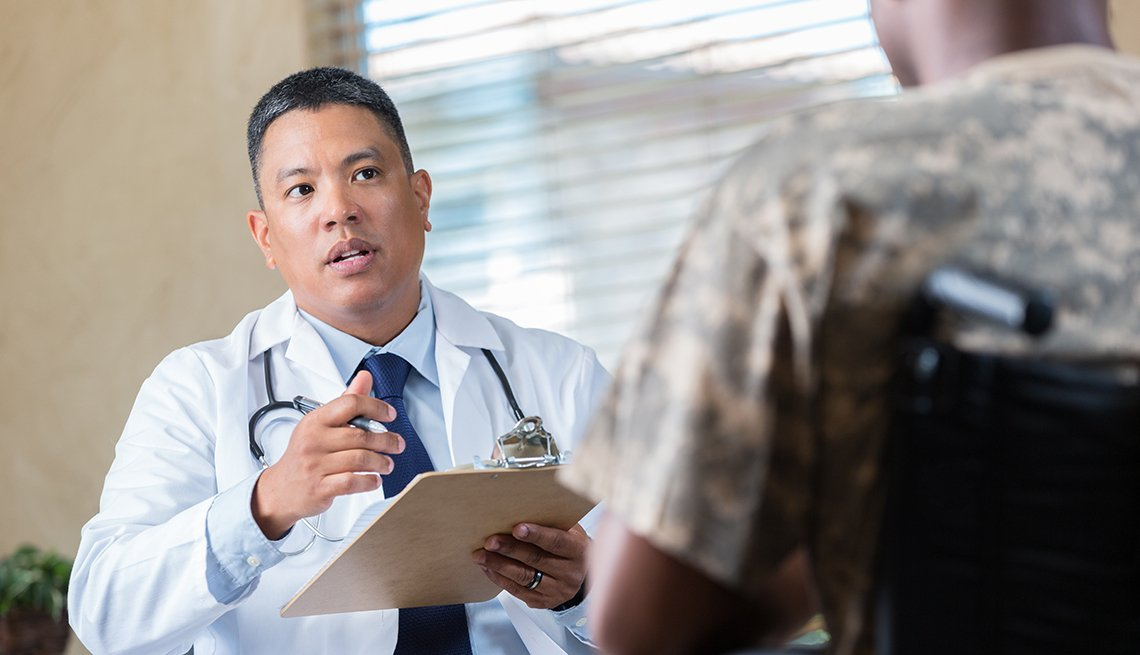 Doctor talks with a veteran
