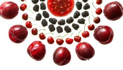 Alimentos ricos en flavonoides ayudan a evitar muertes por cardiopatías - Ciruelas, cerezas y moras.