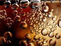 Vinculas el tomar gaseosas con el riego de sufrir un derrame cerebral - Burbujas de soda.