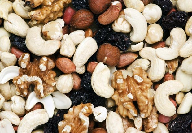 Mixed nuts and raisins, hazelnut, walnut and cashew peanuts, Foods That Lower Cholesterol