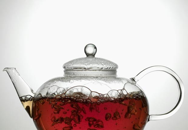Fresh Tea Steeping in Teapot, Foods That Lower Cholesterol